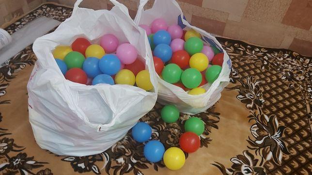 Шаріки ( шарики) в сухий басейн