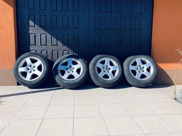 Felgi volkswagen 15 VW z oponami