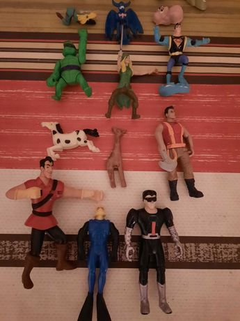 Brinquedos (Action Man, Digimon, McDonald's, entre outros)