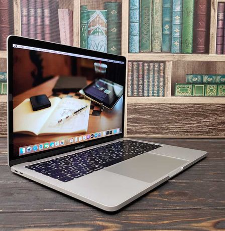 РАССРОЧКА! ГАРАНТИЯ! Идеал! MacBook Pro 13'' 2017 Silver i5/8/256