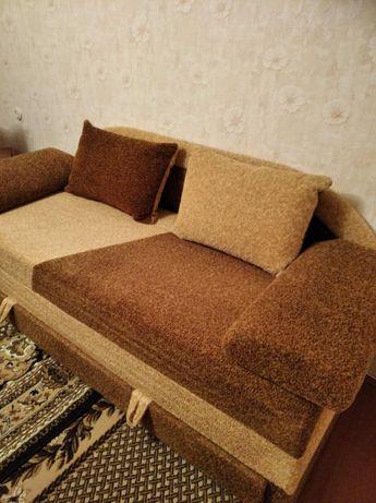 Продам диван раскладной 4000 грн. Б/у. Самовывоз.
