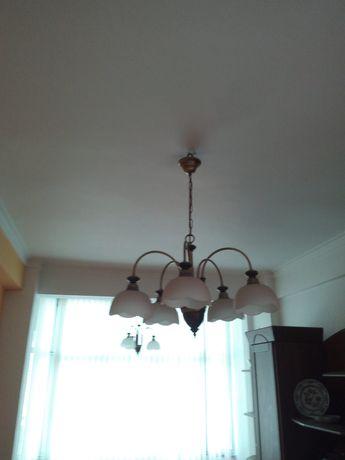 Cadeiros de teto, faz conjunto, um cinco globos outro três globos