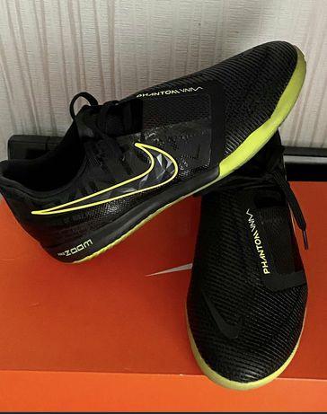 Футзалки Nike Phantom Venom Pro