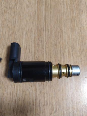 Регулірующий клапан компресора кондиціонера на Фольксваген крафтера.