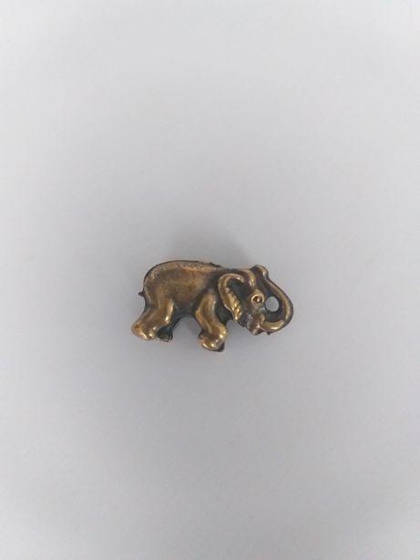 Stary wisior ze srebra w ksztalcie słonia,złocony