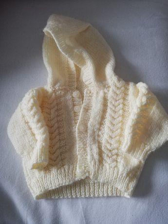 Sweterek kremowy z kapturem 62-74