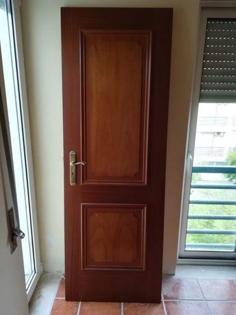 Portas de Interior em Mogno