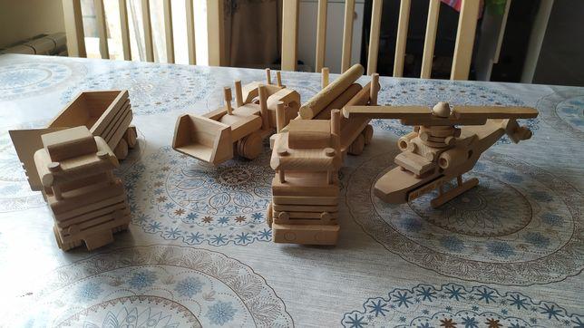 Zestaw pojazdów drewnianych