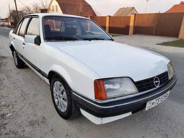 Opel Rekord 1.8 GAZ 1985