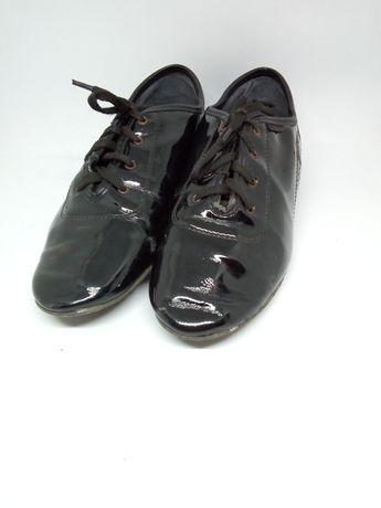 Танцювальне взуття з Стандарту