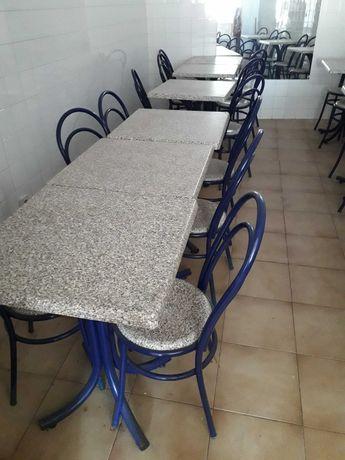 Conjuntos de mesas e cadeiras para café