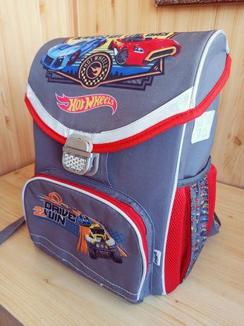Ортопедичний рюкзак Kite Hot Wheels з пеналом