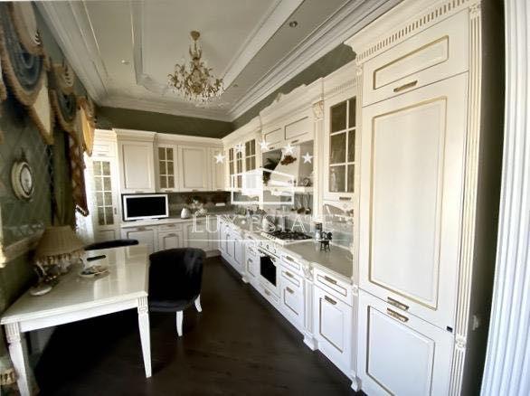 LuxEstate предлагает купить 4-комнатную квартиру в элитном ЖК Фламинго