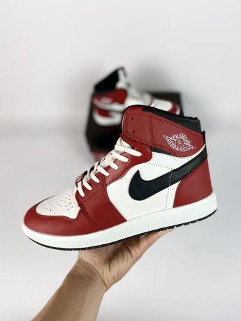Мужские кроссовки Nike Air Jordan 1 красные с белым/черным