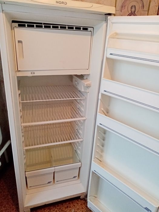 Продам холодильник Красноармейск - изображение 1