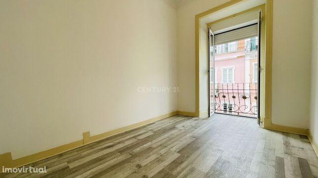 Luminoso Apartamento T3+1 para arrendamento - remodelado e excelente