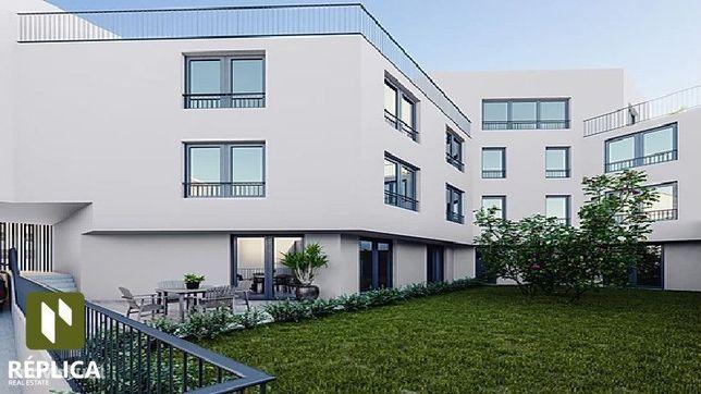 Apartamento T1 com terraço e lugar de garagem perto da Avenida