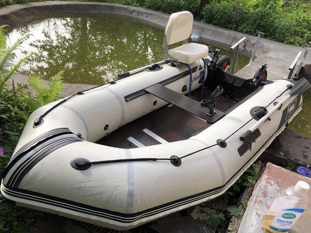 Лодка Aquastar Т340К килевая жеский пол