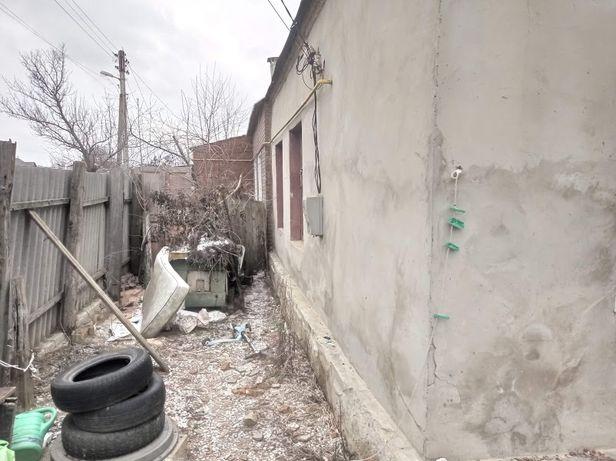 Продам 1/2 часть дома со свои двором м. Киевская