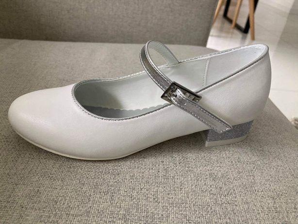 Buty komunijne Rozm 33 białe srebrny obcas