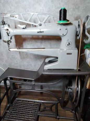 Łaciarka maszyna do skory cieżkiego szycia ADLER 30-1, Stan bdb