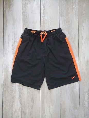 Спортивные шорты Nike dri fit