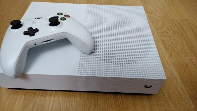 Xbox one s all digital gratis 6 !!! gier Assassin's Creed, Minecraft..