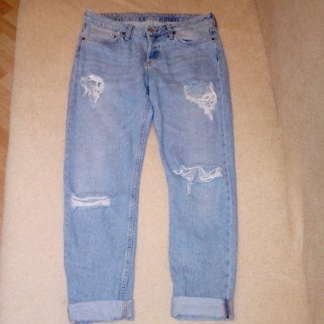 Женские рваные джинсы бойфренды мом H&M