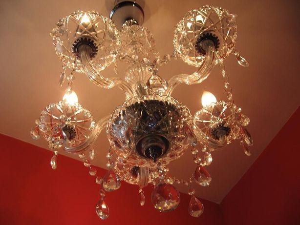 Kryształowy żyrandol - cały ze szkła