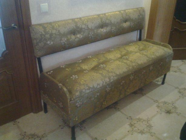 Продам диван у вітальню