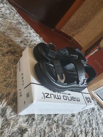Босоножки кожаные новые 38 размер