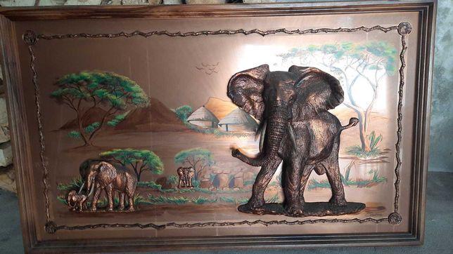 Quadro de elefantes em latão