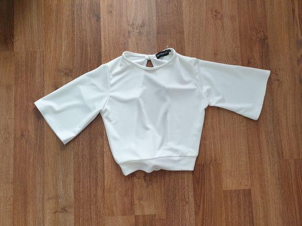 Biała bluzka wiązana z tyłu PrettyLittleThing