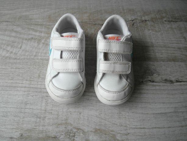 Кроссовки найк (Nike) р.21,5 длина стельки 13,5 см.