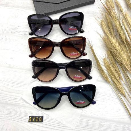 Солнцезащитные очки женские изящная и крутая модель!