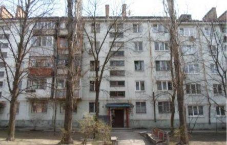 Второй этаж,  1-комнатная в Александровском.