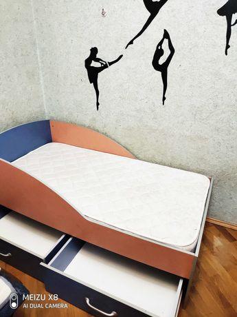 Комплект мебели для ребенка от 2-12 лет (кровать с матрасом+комод)