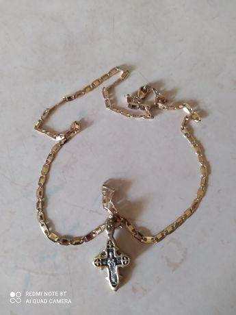 Продам серебряный крестик с позолотой  ЖЕНСКИЙ НОВЫЙ