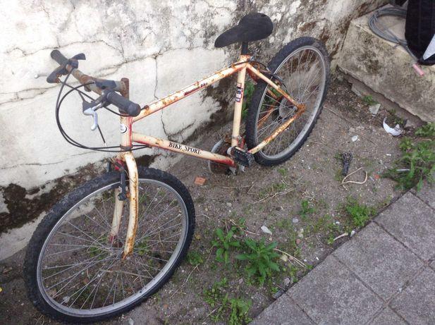 Bicicleta para restauro.