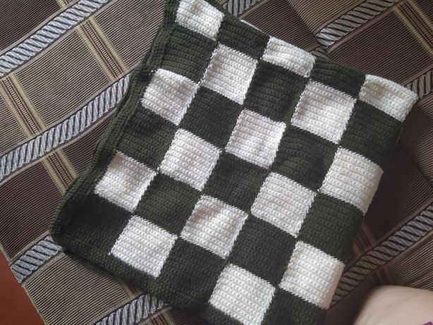 Одеяло ручной вязки
