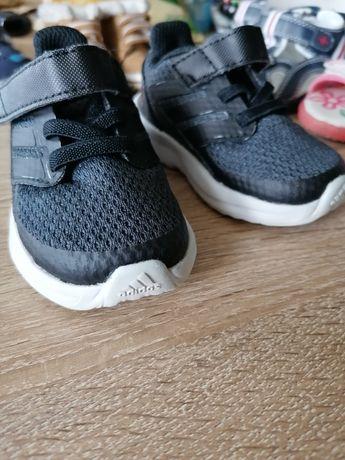 Adidasy czarne r. 19