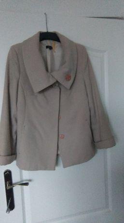 Płaszcz beżowy krótki 40 damski