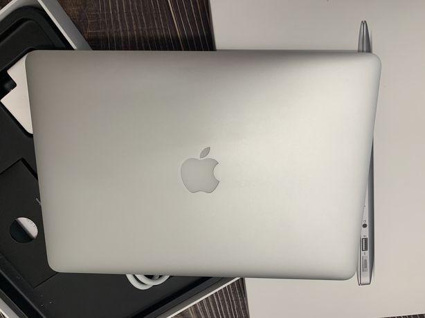 Apple MacBook Air 13 2015 A1466 1.6 GHz і5 8 gb 128Gb
