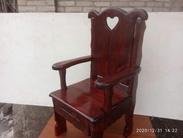 """Детский авторский стульчик  """"Трон"""""""