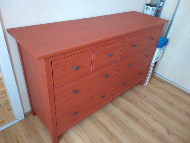 Sprzedam komodę Hemnes czerwono-pomarańczową w bardzo dobrym stanie.