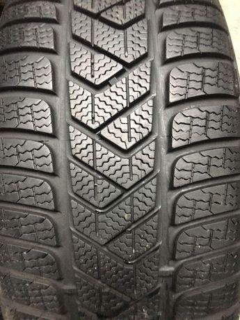 Зимові шини б/у 2шт. Pirelli SottoZero 3 235/55 R17 (6,5mm)