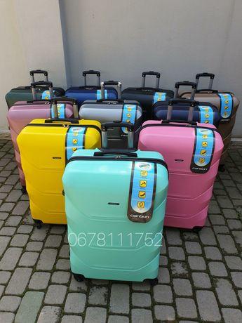 CARBON 147 Туреччина валізи чемоданы сумки на колесах