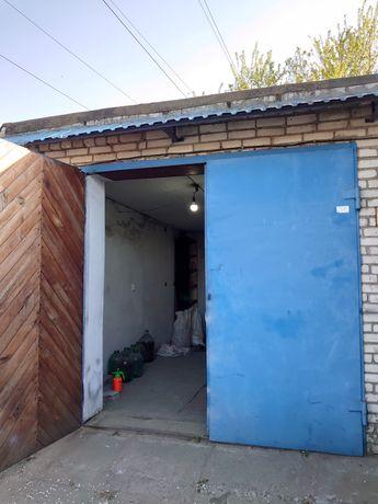 Большой кирпичный гараж.без торга