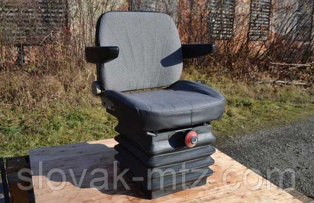 Сиденье кабины МТЗ + подлокотники 80В-6800000. Сидіння кабіни МТЗ,ЮМЗ