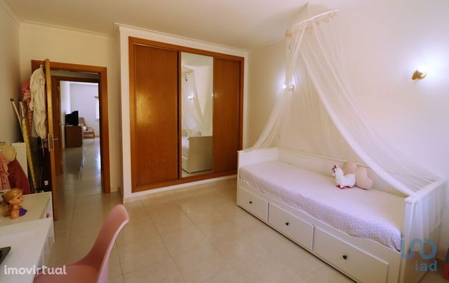 Apartamento - 98 m² - T0